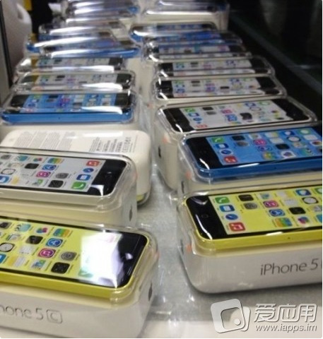 iPhone-5C-yellow-blue