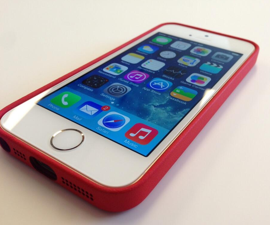 Apple iPhone 5C and iPhone 5S Images and Information